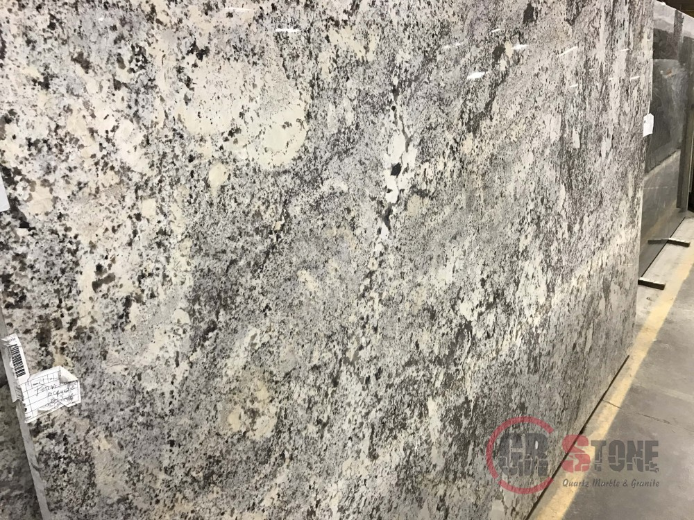Granite – Alaska Cream slab (2)-min