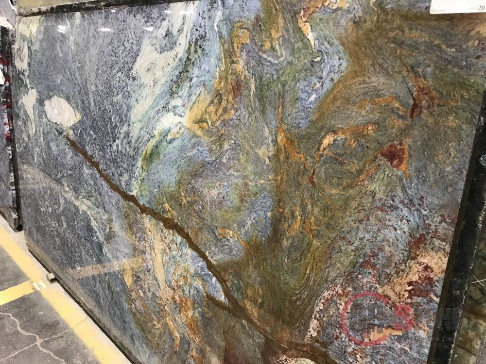 Quartzite – Blue Louise slab-min